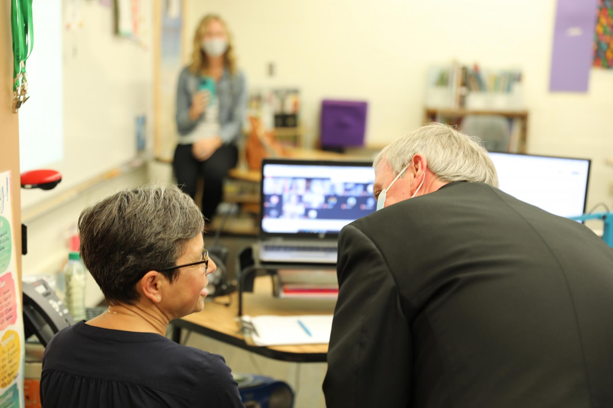 Dr. Thacker visits with Mrs. Shreiner and her virtual students