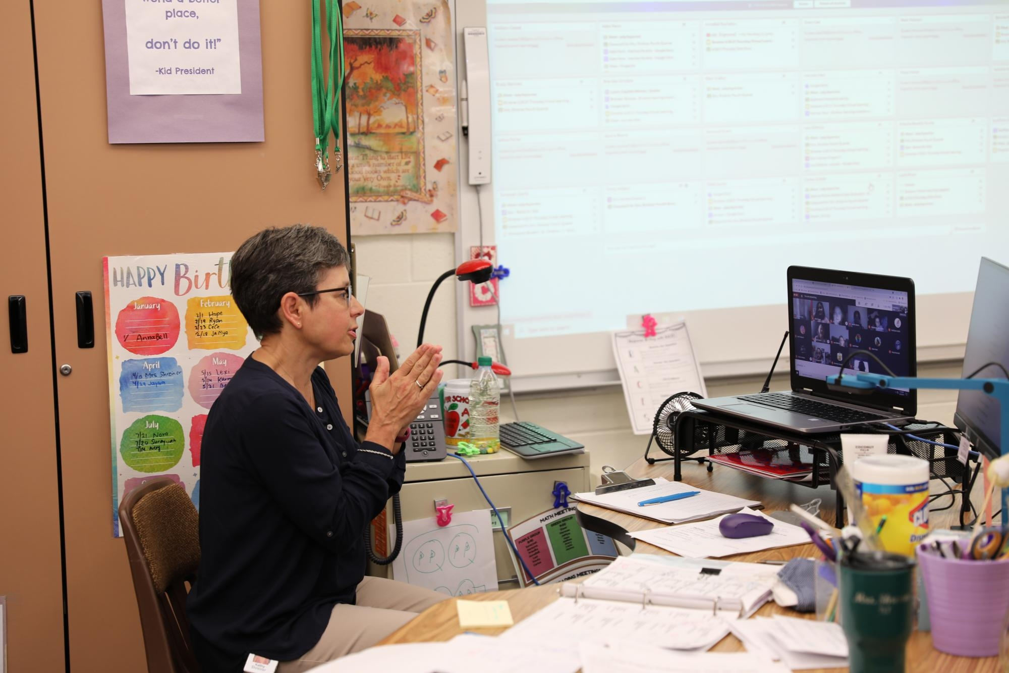 Mrs. Shreiner teaching her virtual 5th grade class